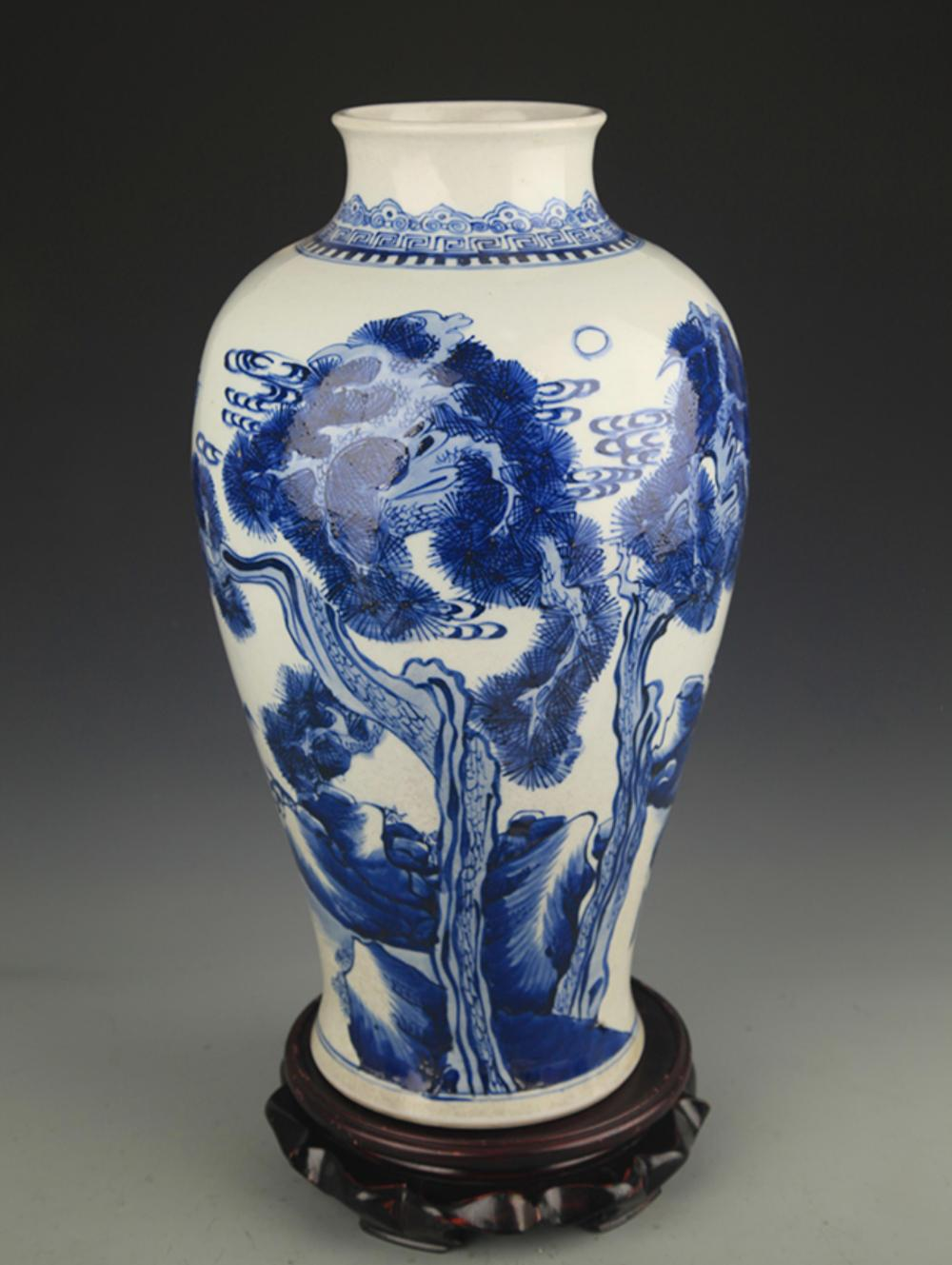 BLUE AND WHITE PINE TREE AND CRANE PATTERN VASE