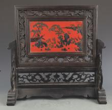 A FINE WOOD CHINESE LACQUER TABLE PLAQUE