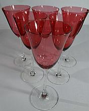 6 RUBY AND CLEAR WINEGLASSES. APPROX 8