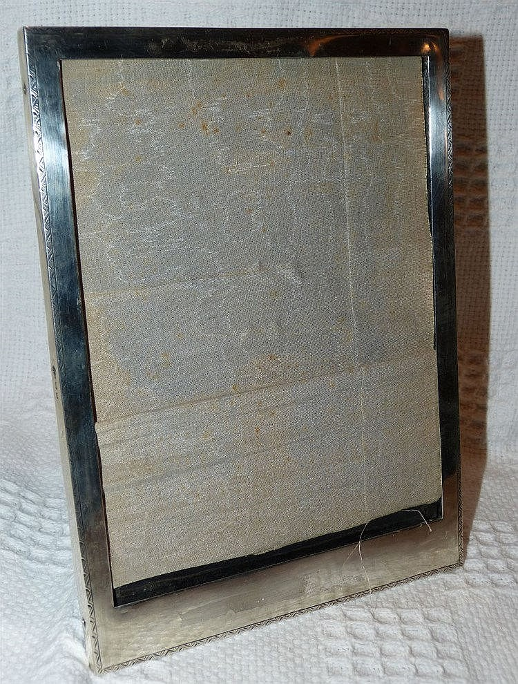 A George V Plain Silver Rectangular Freestanding Photograph Frame