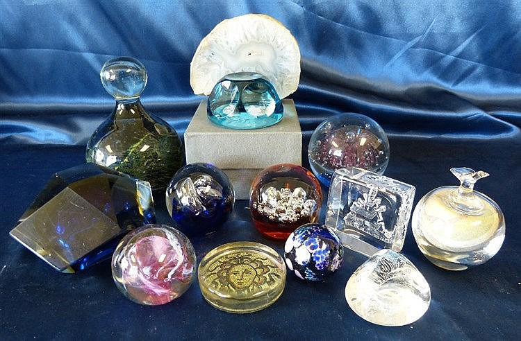 A Mdina Style Heavy Bulbous Paperweight and 12 various other pape