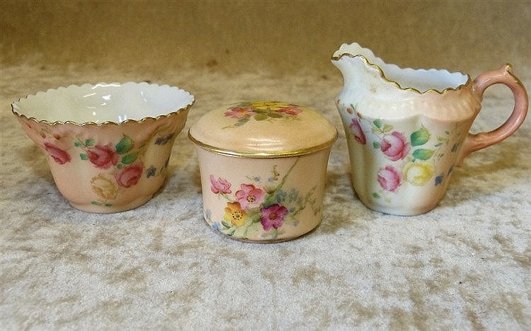A Royal Worcester Blush Small Round Lidded Trinket Box having col