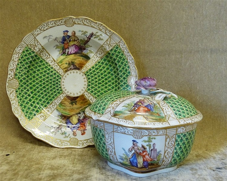 A Similar Continental Oval Scalloped Lidded Box with matching pla