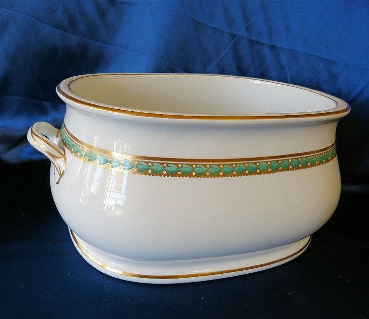 A 19th Century Minton Rectangular Bulbous 2-Handled Foot Bath on