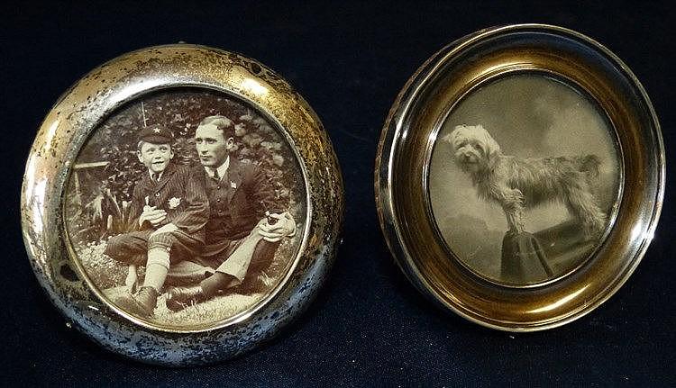 A Birmingham Silver Circular Freestanding Photograph Frame, 8cm d