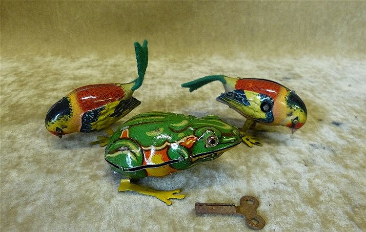 DRGM German Tin Clockwork Frog, also 2 continental clockwork bird