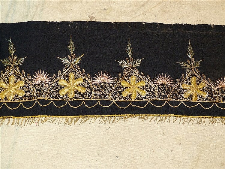 A Gold Thread Panel having floral and leaf decoration, 2m 54cm lo