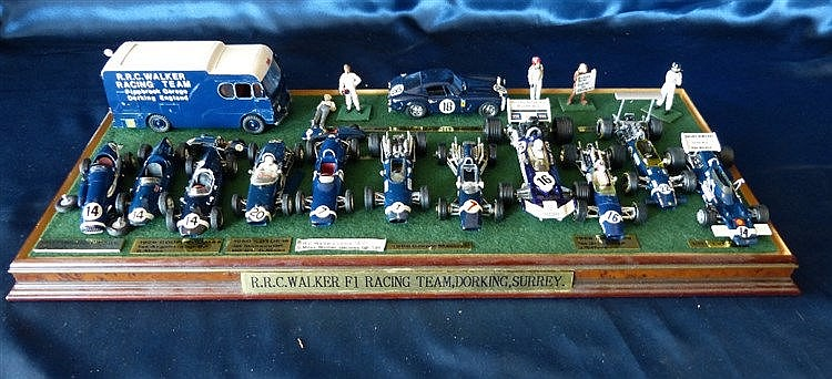 A Presentation Set R.R.C Walker F1 Racing Team, Dorking Surrey, i