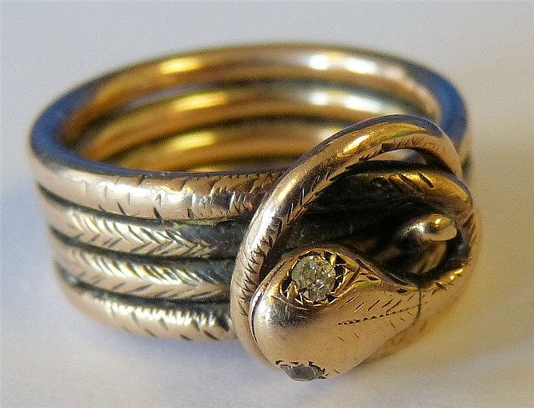 A Gold Serpent Ring, 8.6gms