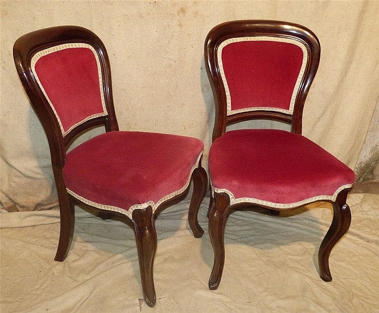 A Set of 6 Victorian Mahogany Spoon Back Dining Chairs having red