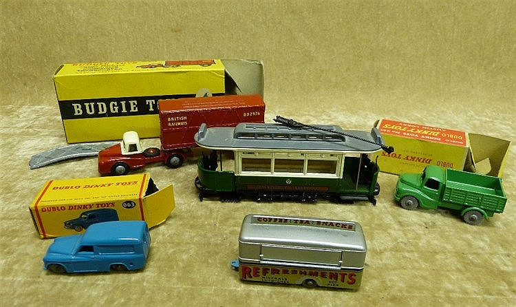 A Dublo Dinky Green Austin Truck, boxed, a Dublo Dinky 063 Commer