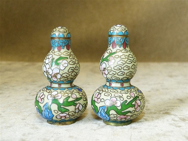 A Pair of Signed Cloisonné Miniature Gourd Snuff Bottles with cov
