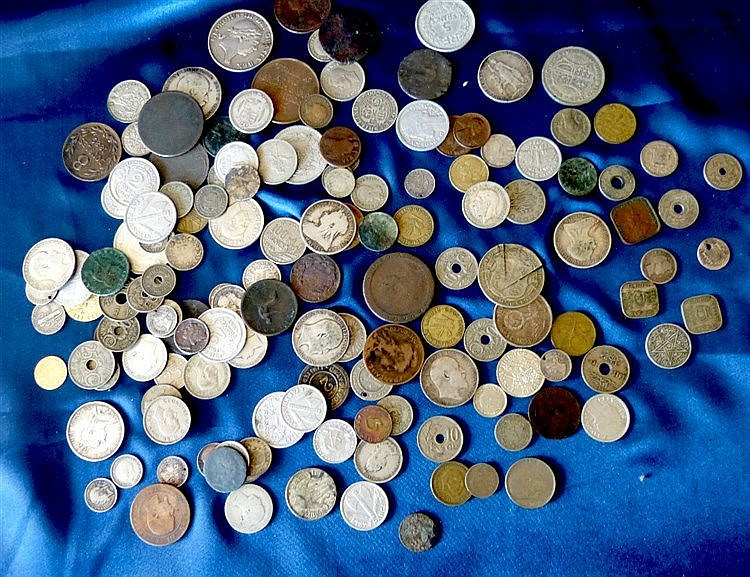 A George III Silver Token and a quantity of various coins includi