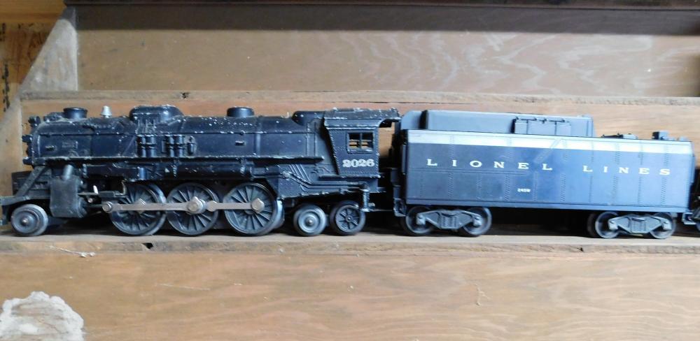 Lionel 2026 engine w/coal car