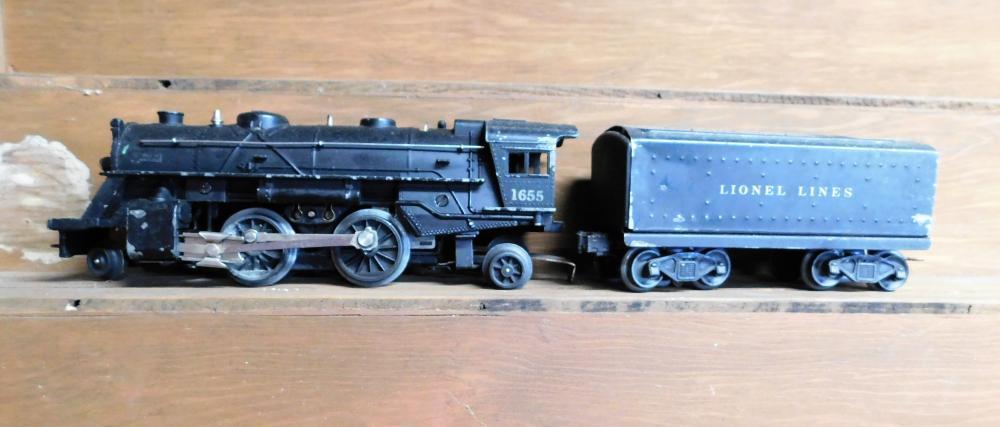 Lionel 1655 engine w/ Lionel Lines Coal Car