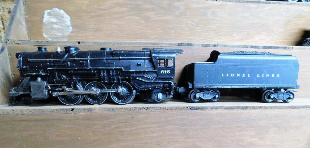 Lot 1: Lionel 675 Engine w/coal car