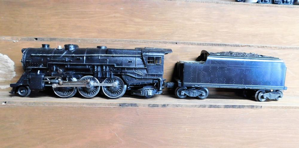 Lot 7: Lionel engine w/coal car