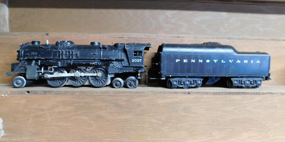 Lionel 2037 engine w/Pennsylvania coal car