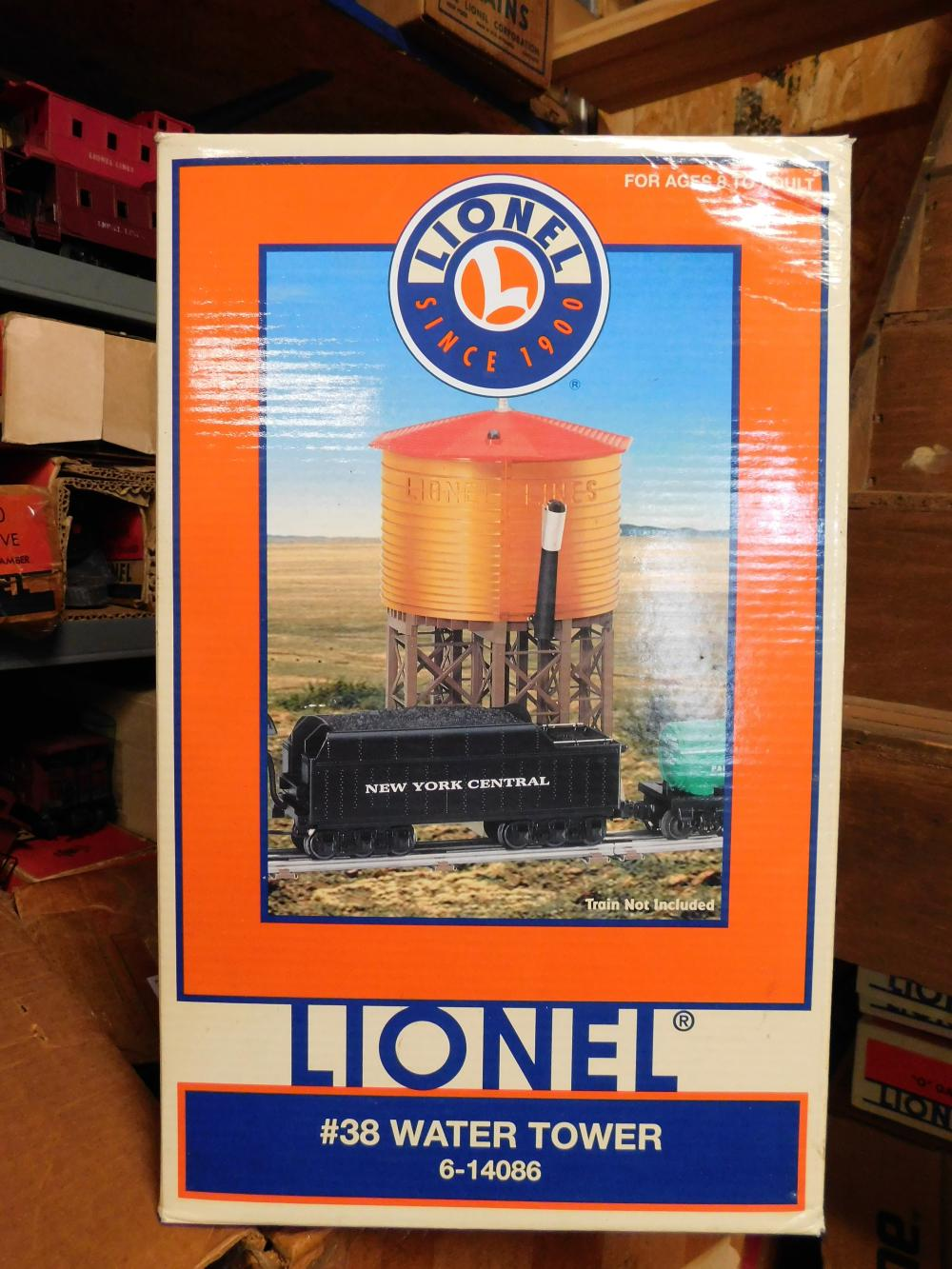 Lionel #38 water tower in box