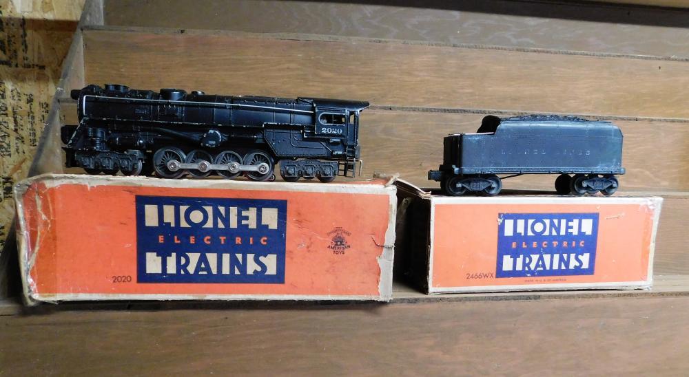 Lionel 2020 locomotive in box w/ 2466 wx tender w/ box