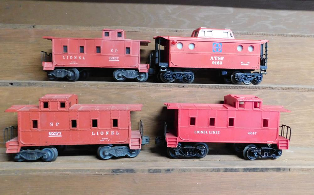 Lot 28: Lot of 4 Caboose--6357, 6257, 6047, and ATSF 9163