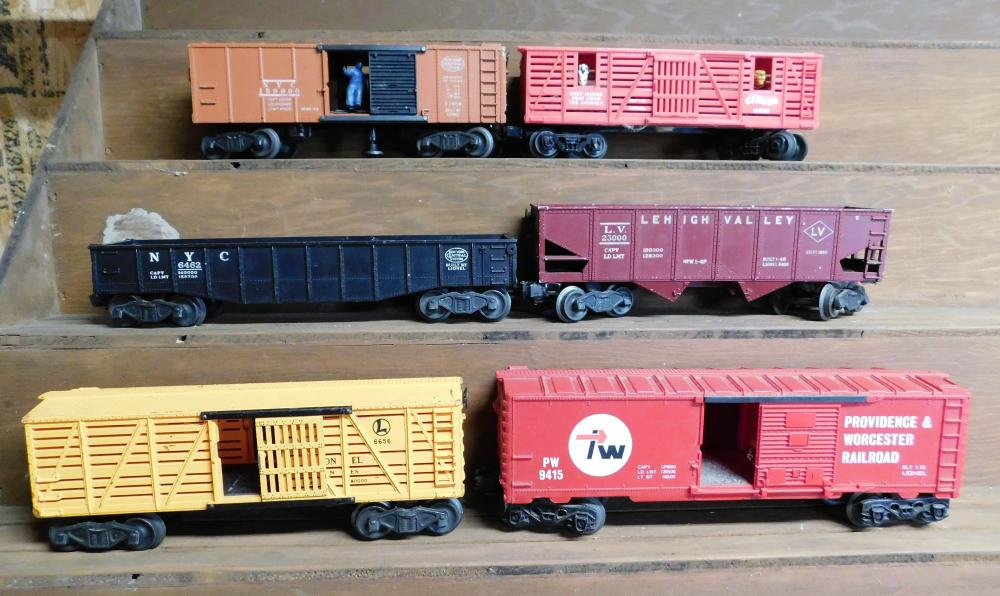 Lot of 6 Lionel Cars Providence and Worchester RR, Lionville circus, NY central (2), Lehigh valley, cage car--Plastic