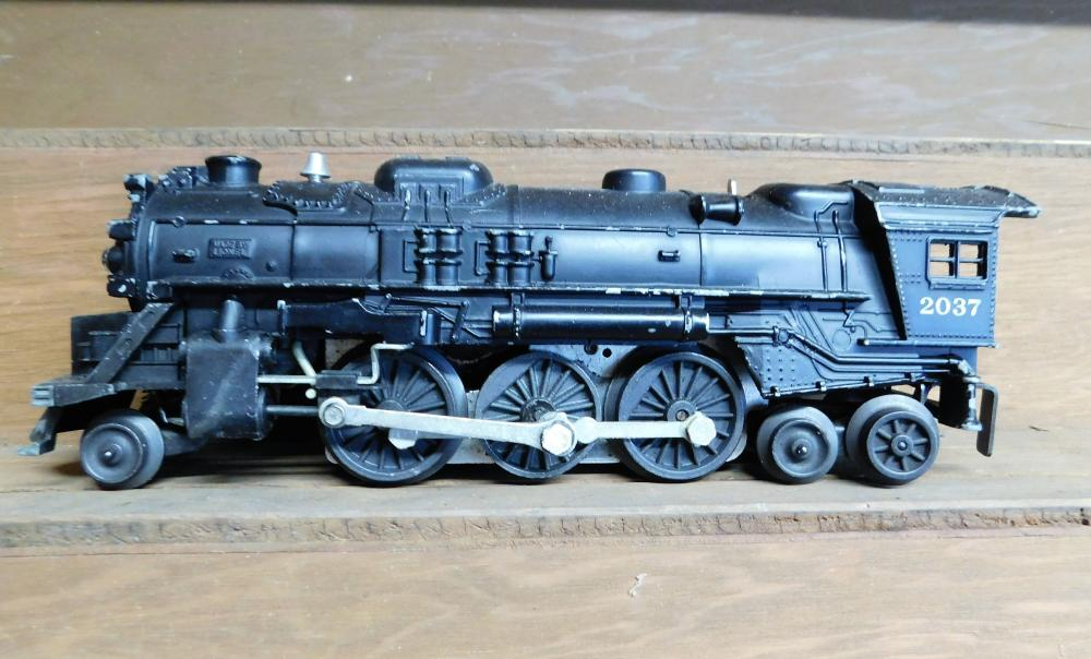 Lionel 2037 engine