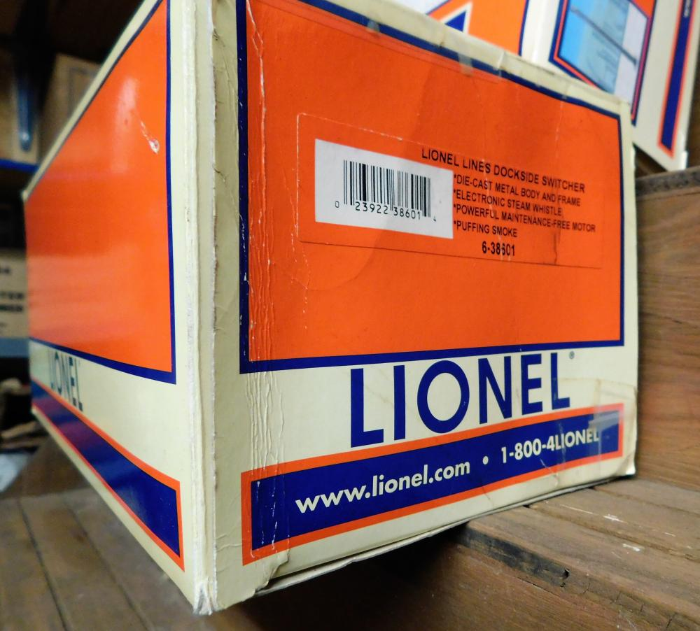 Lot 42: Lione smoke stack in box and lionel dockside switcher in box-2002