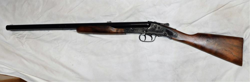 Lot 51: Daisy Model 21 Double Barrel BB Gun with bird dogs