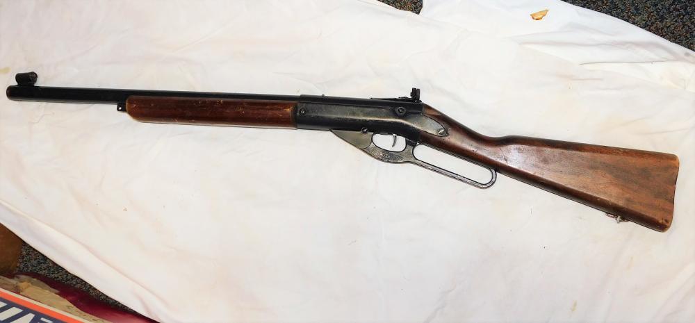 Daisy model 99 BB Gun-peep sights-missing BB insert