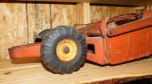 Lot 106: Heiliner earth mover