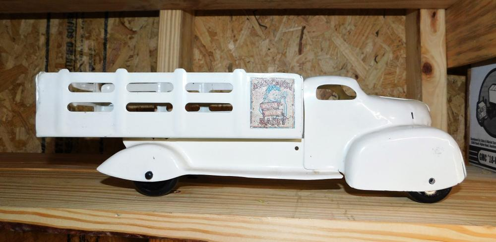 Marx Milk Dairy truck--Restored--missing front grill and bumper