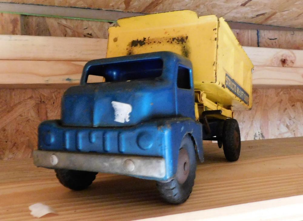 Lot 109: Structo Highlift dump truck