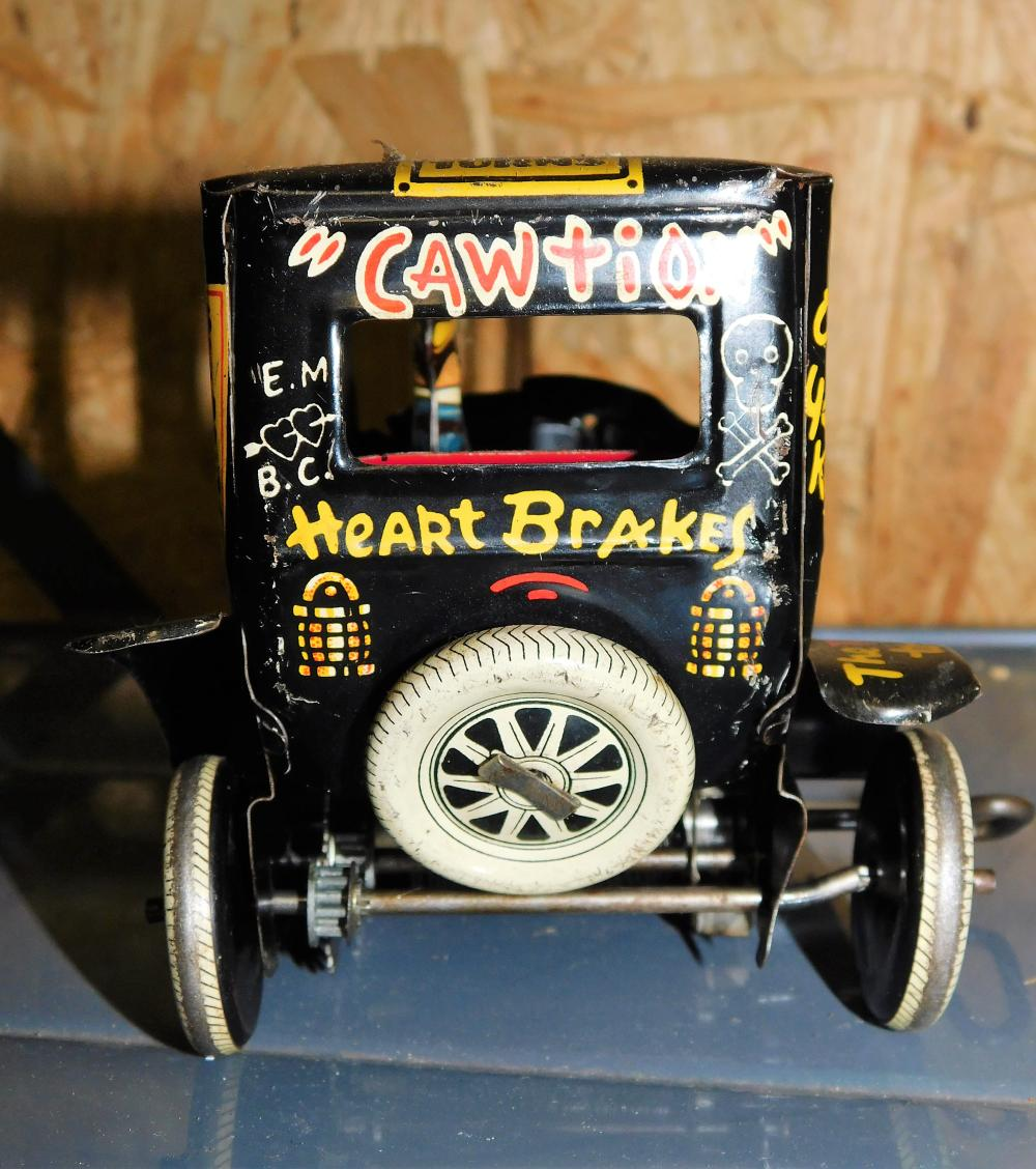Lot 116: Marx Old Jalopy wind up car-working with good graphics