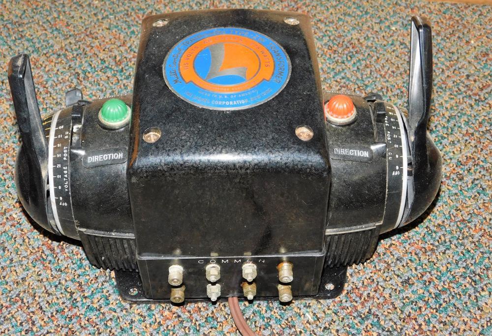 Lot 130: Lionel multicontrol trainmaster type zw transformer