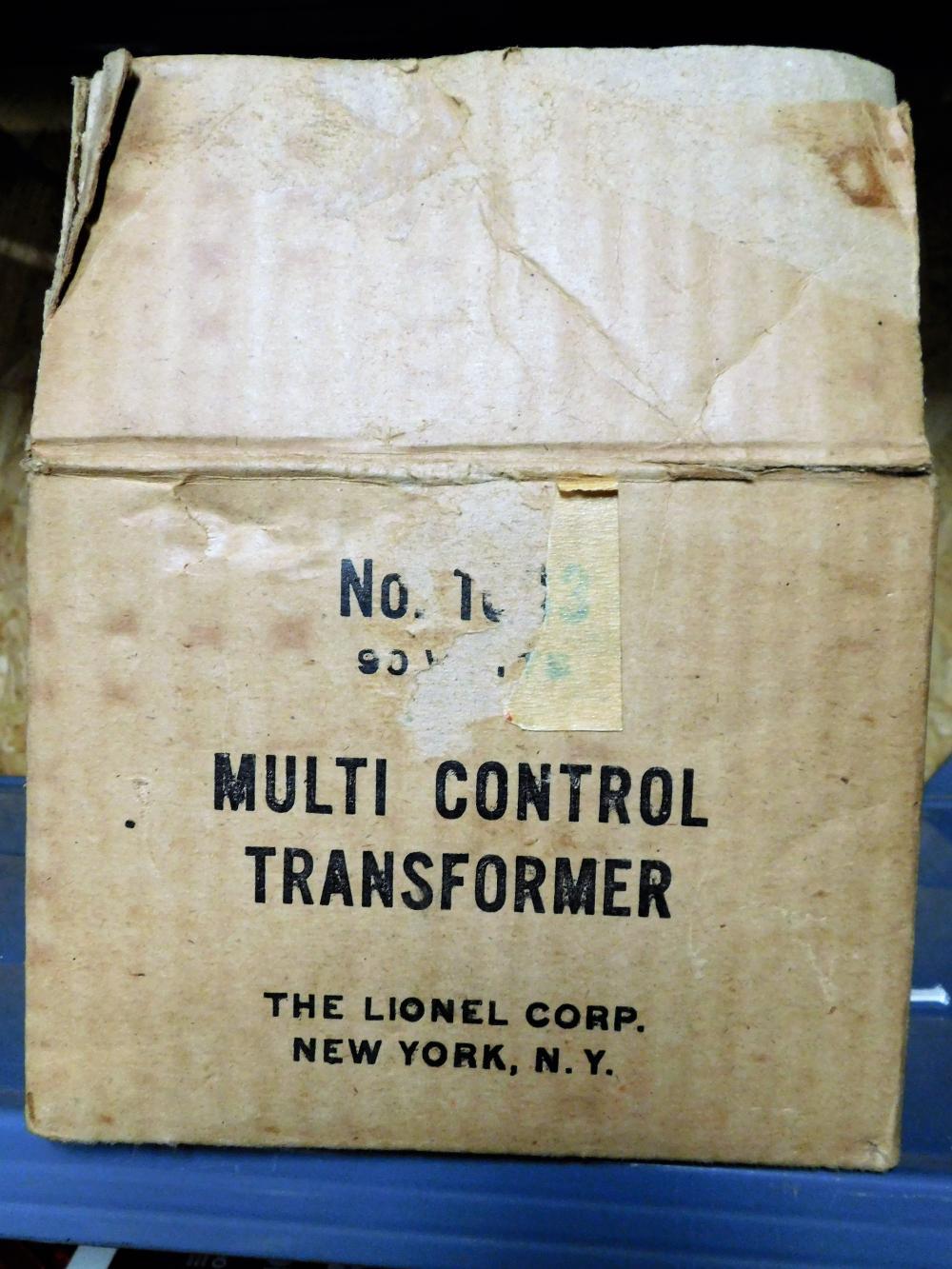 Lionel multicontrol transformer no. 1033 in box