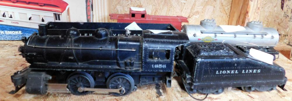 Lionel 1656 engine with 4 cars.