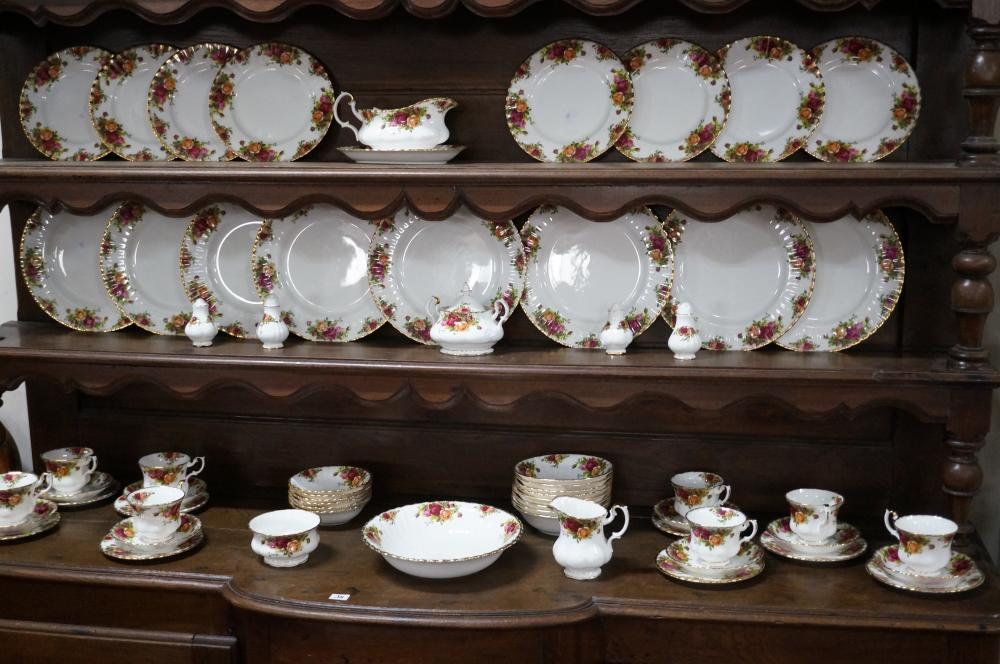 R/Albert old country Roses dinner set for 8, only 6 sweet bowls