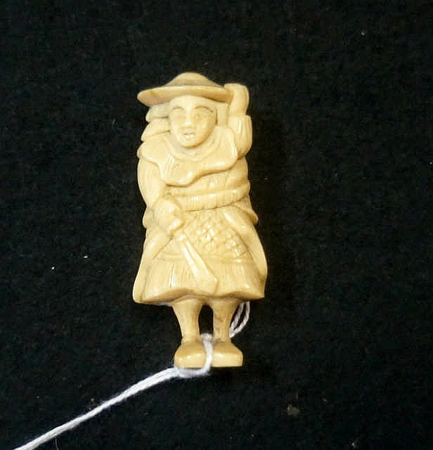 Antique Japanese Carved Bone Netsuke Of Man In Hat