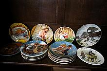 18 assorted collectors plates inc Wedgwood