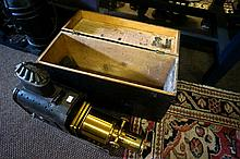 Vic Walter Tyler Helioscope magic lantern in original wooden case