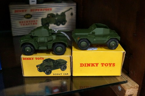 Dinky die cast Scout car 673 & Armoured car 870 in mint