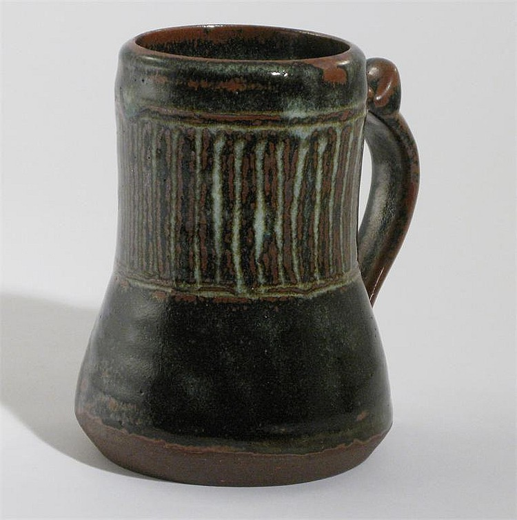 Ladi Kwali (1925-1984) an Abuja stoneware tankard,