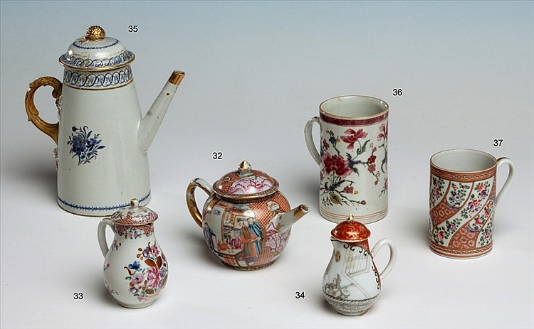 CHINESE EXPORT PORCELAIN COFFEE POT