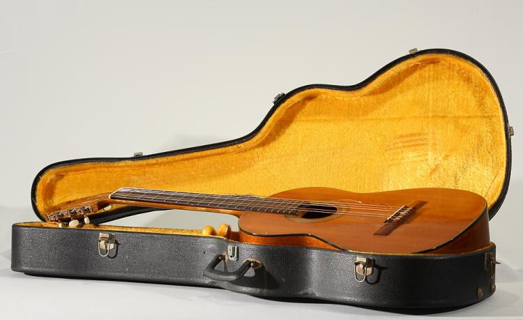 Model 650 VINTAGE YAIRI ACOUSTIC GUITAR 1969 Classical Mosaic Inlay Case Stringed Musical Instrument Japan