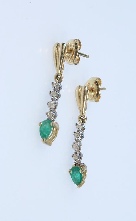Precious Gemstones EMERALD & DIAMOND DROP EARRINGS Vintage Jewlery 14 Karat Yellow Gold Settings