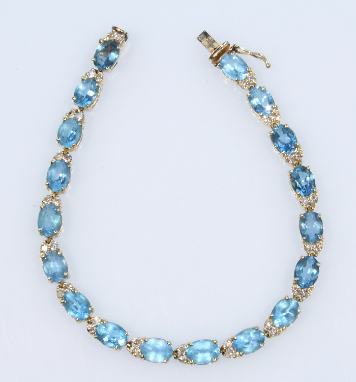 Precious Gemstones VINTAGE 14K GOLD BLUE TOPAZ & DIAMOND BRACELET Oval Cut Barrel Clasp Jewelry