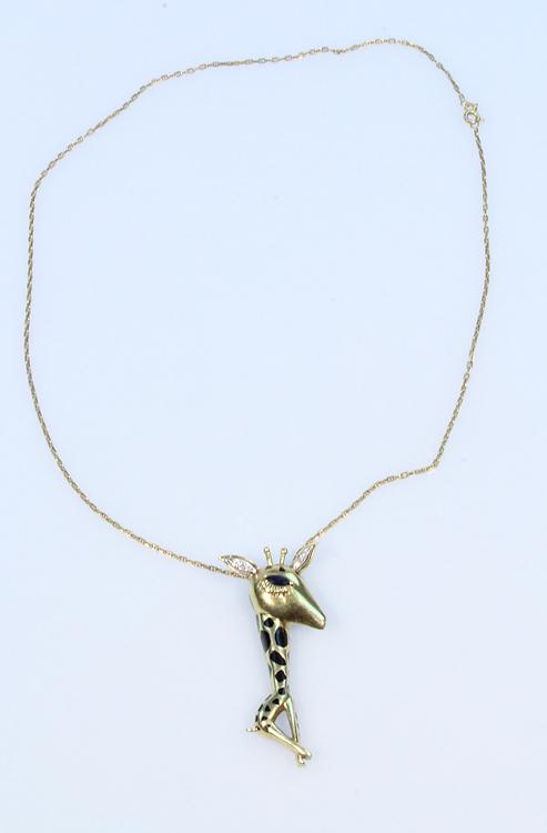 Precious Gemstones 14 KARAT BOSTON LINK CHAIN WITH 18 KARAT GIRAFFE PENDANT Vintage Jewelry Diamond Ears Sapphire Eye Gold Spring Clasp Animal