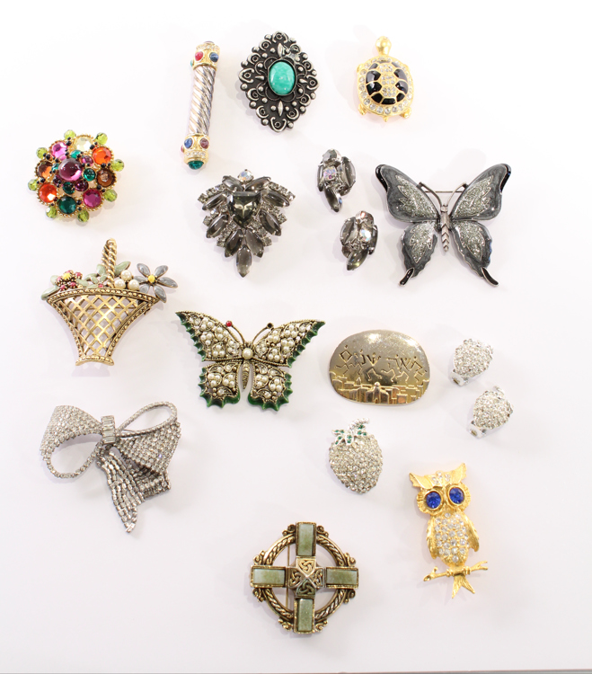 17Pcs Givenchy VINTAGE COSTUME JEWELRY Hollycraft M Katz Weiss Brooch Earrings Pin Gold Rhinestones Butterfly Turtle Owl Flowers Basket Peking Glass Celtic Cross
