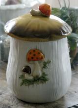 vintage 1970's Merry Mushroom pot